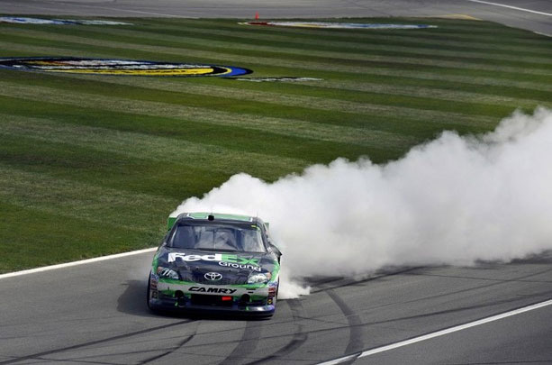 NASCAR, 2012 STP 400, Дэнни Хэмлин на финише