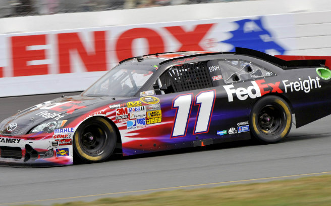 Hamlin gives it his all in Loudon 301 2012
