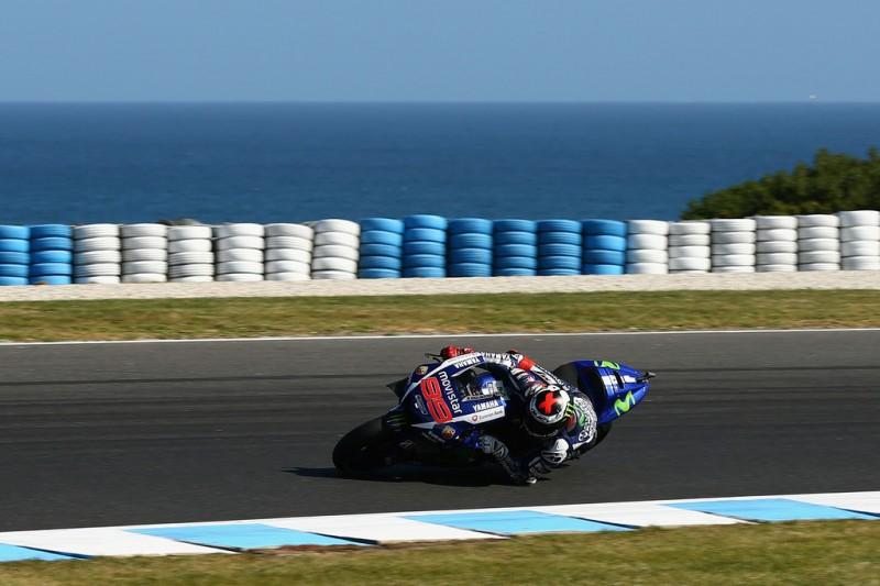 Jorge Lorenzo of Spain and Movistar Yamaha MotoGP rides during the 2015 MotoGP of Australia at Phillip Island Grand Prix Circuit on October 18, 2015 in Phillip Island, Australia.